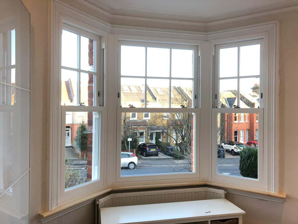 White Woodgrain Sash Windows London Installation By Sci